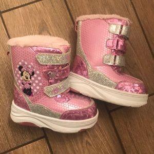 Minnie snow boots - toddler 8. Light up!
